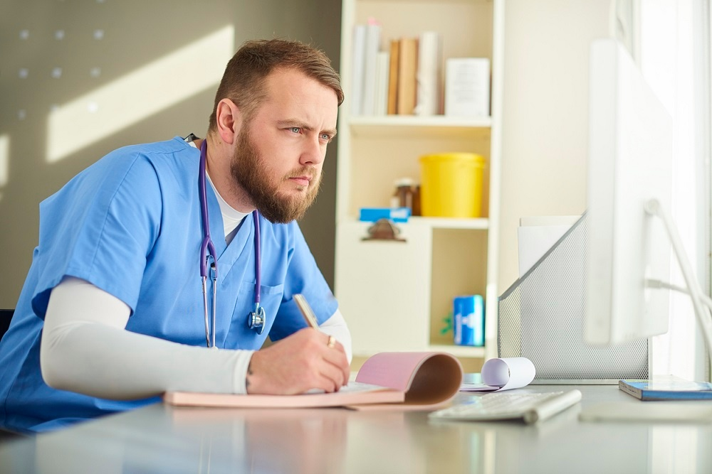 tracking-objective-subjective-patient-data-with-remote-patient-management.jpg
